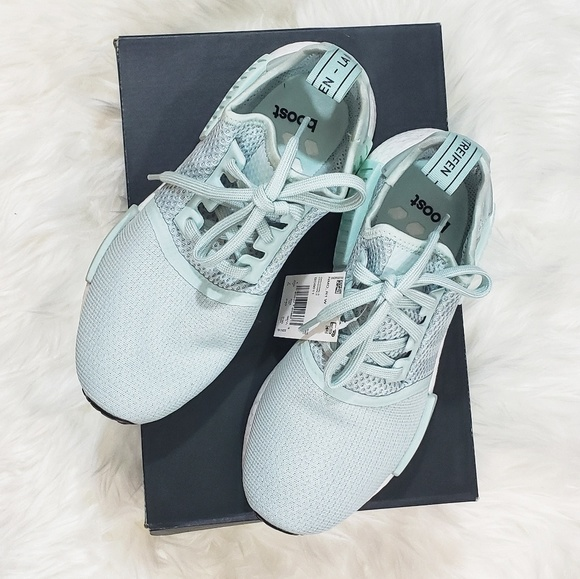 Adidas NMD_R1 Vapour GreenIce Mint Size 7.5 NWB NWT